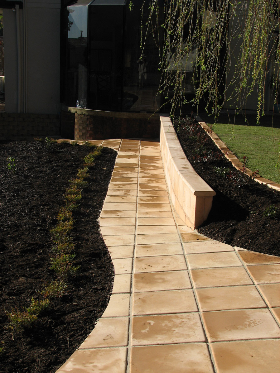 Retaining walls noble landscapes landscape design for Retaining walls adelaide